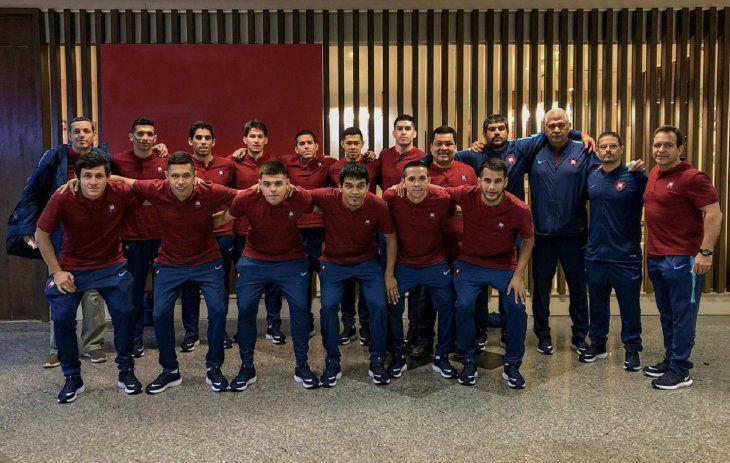 Delegación azulgrana que viajó con destino a Buenos Aires para disputar la Libertadores de futsal.