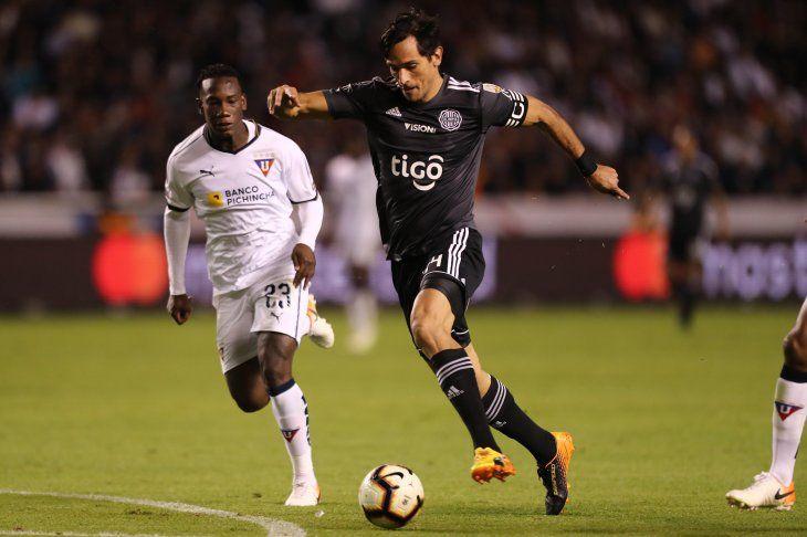 Roque Santa Cruz fue titular ante Liga de Quito.