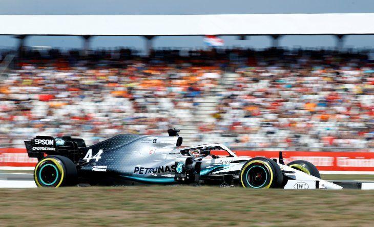 Hamilton logró la pole ante la desgracia de Ferrari.