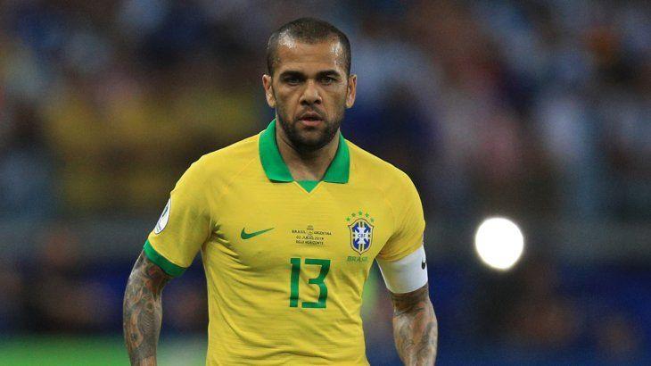 Dani Alves viene de ser campeón con Brasil en la Copa América 2019.