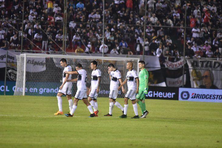 Olimpia no pudo y quedó eliminado en la Copa Libertadores en octavos.