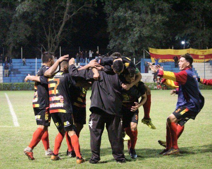 Colón de Ñemby avanza en la Copa Paraguay.