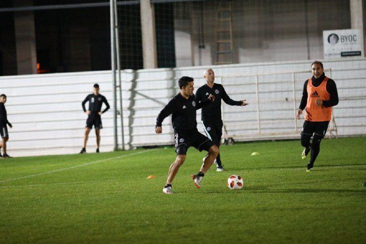 Néstor Camacho será titular en la ofensiva decana.