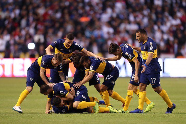 Boca venció a la Liga en Quito y dio un paso gigante hacia semifinales.