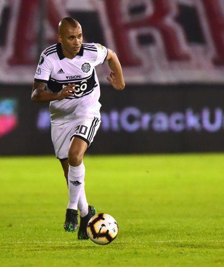 De vuelta. Sergio Otálvaro volverá tras quedar un partido fuera.
