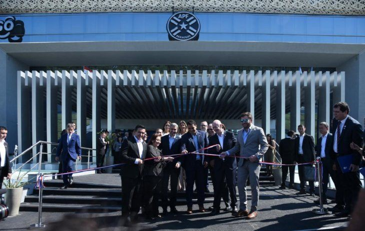La APF inaugura la nueva sede con presencia de Infantino.