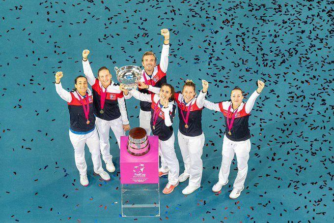 Francia levantó el trofeo.