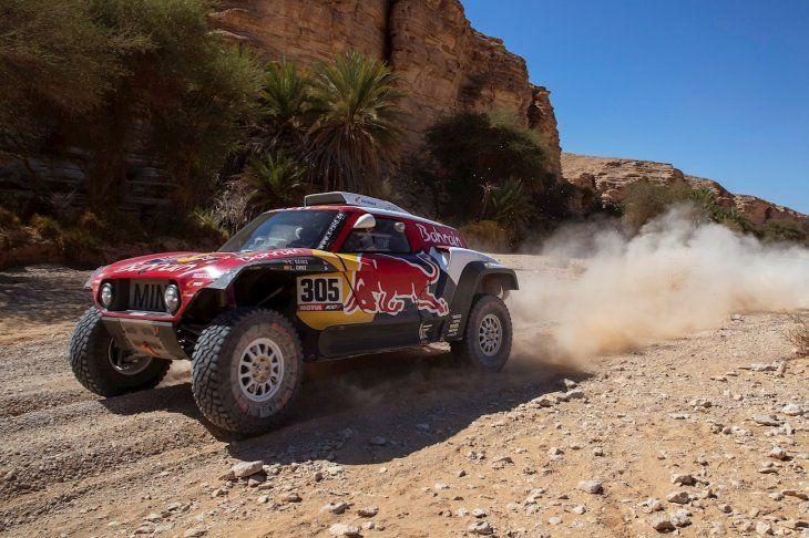 Carlos Sainz está cerca de otra victoria en el Dakar.