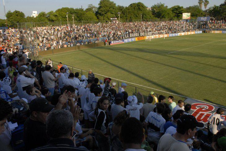 El estadio doctor Nicolás Leoz será testigo de una nueva edición del clásico blanco y negro.