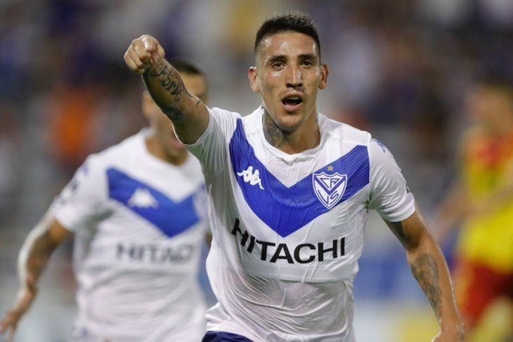 Ricardo Centurión celebra un gol de Vélez.