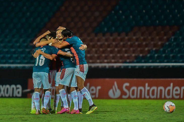 Cerro Porteño se metió en la tercera fase de la Copa Libertadores.