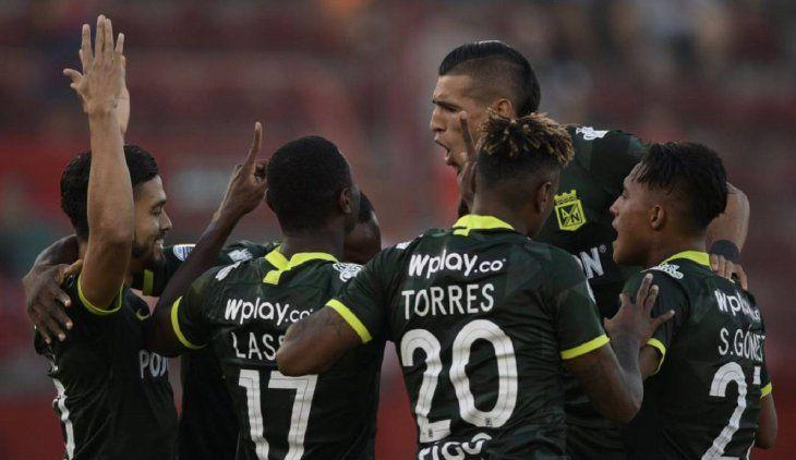 Atlético Nacional empató con Huracán y se confirmó en la segunda fase.