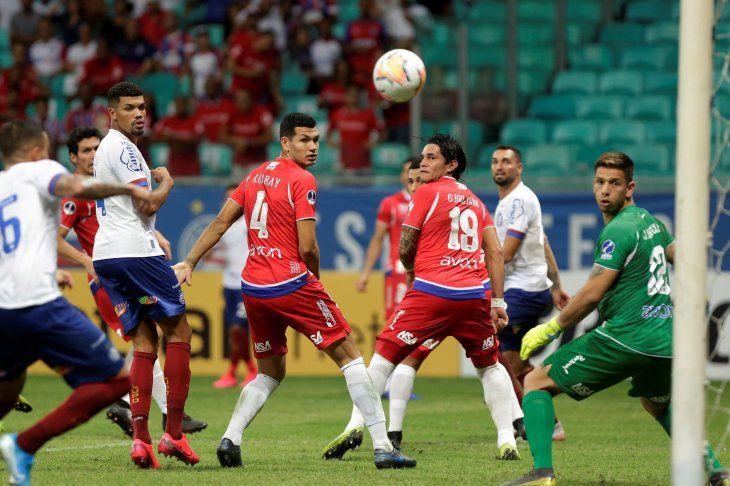 Nacional va por el milagro de revertir el 3-0 en contra ante Bahía.