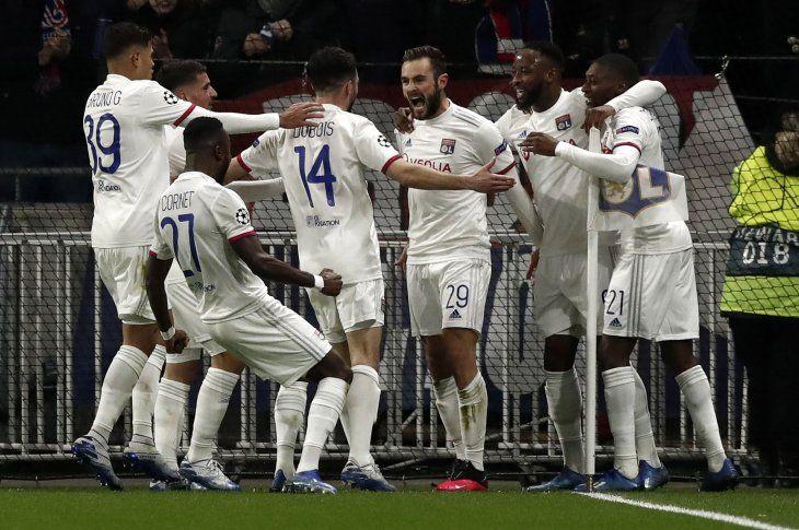 Lyon consiguió una valiosa victoria ante Juventus.