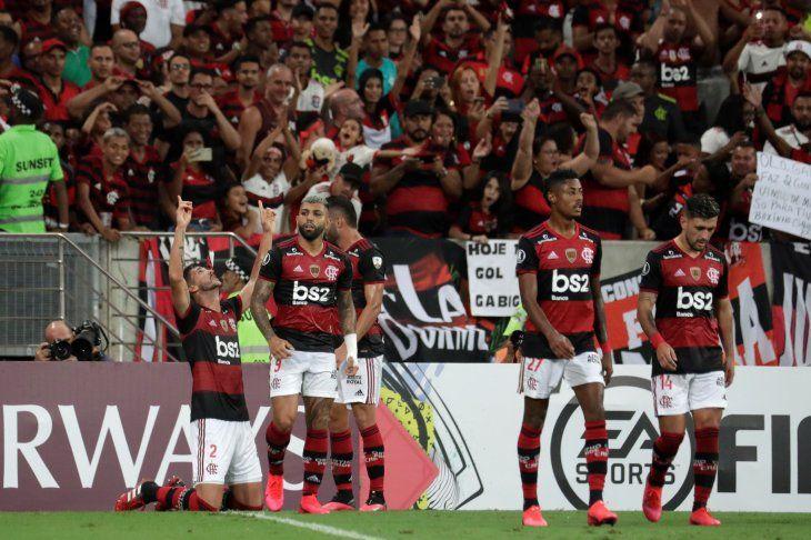 Flamengo goleó de local al Barcelona de Guayaquil.
