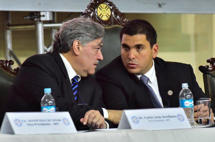 Robert Harrison (derecha) junto a Carlos Sosa Jovellanos.