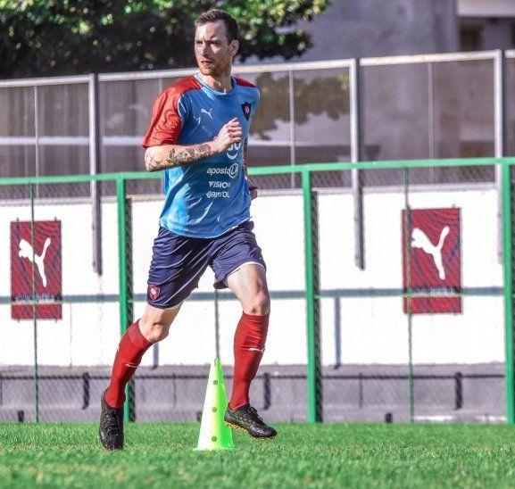 Fernando Amorebieta sufre una lesión muscular que le impide seguir con los trabajos físicos.