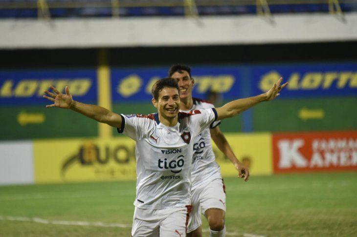 Óscar Ruíz le dio una valiosa victoria a Cerro Porteño.