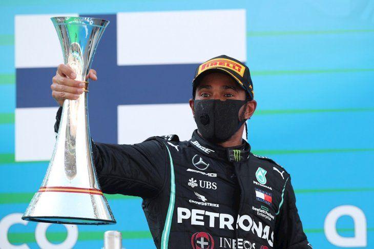 Lewis Hamilton gana el Gran Premio de España.