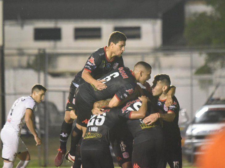 San Lorenzo arrancó con victoria ante General Díaz el torneo Clausura.