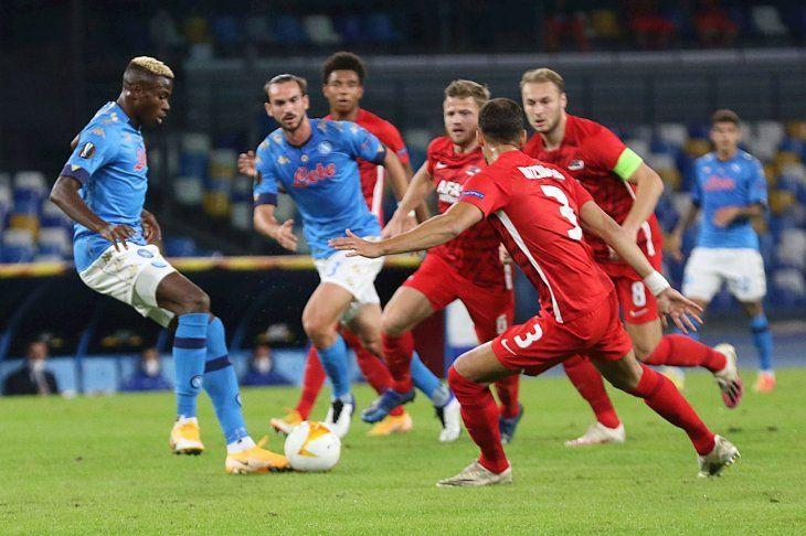 Napoli cayó por la mínima frente al AZ.