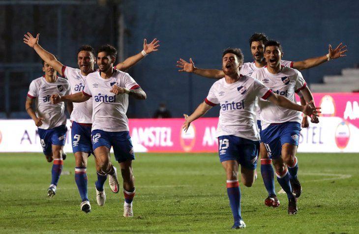Nacional de Uruguay avanzó a los cuartos de final.