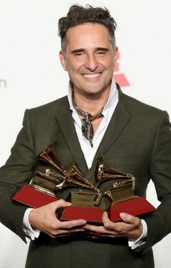 Jorge Drexler se llevó tres gramófonos de oro.