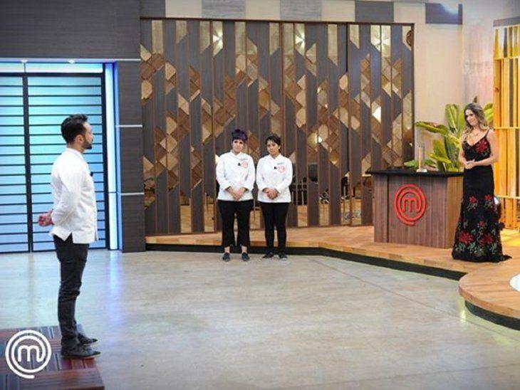 Vero y Nancy son las flamantes finalistas de MasterChef Paraguay. Fernando fue el eliminado de la noche, quedándose con el puesto de tercer mejor cocinero aficionado de la temporada.