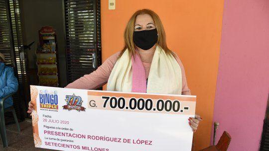 Presentación Rodríguez es la afortunada ganadora del pozo de Telebingo Triple.