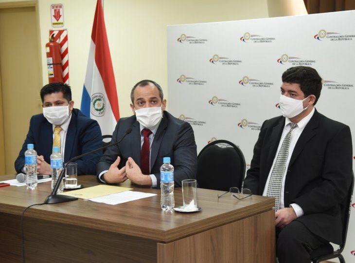 Auditorías. El contralor Camilo Benítez (c) remitió a Fiscalía 52 casos sospechosos en 2020.
