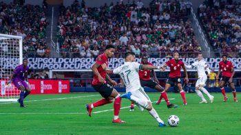 El pasado sábado, durante el debut de México en la Copa Oro frente a Trinidad y Tobago en Arlington (Texas), el árbitro interrumpió dos veces el partido por las sonoras ofensas al adversario.
