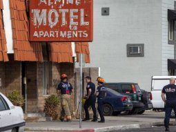 Los bomberos indicaron que trece personas fueron trasladadas al hospital, cinco de ellas en estado crítico, una de las cuales fue declarada muerta en el nosocomio.