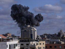Los recientes ataques de misiles de Israel en la franja de Gaza podrían constituir crímenes de guerra, declaró la alta comisionada de la ONU para los Derechos Humanos, Michelle Bachelet.