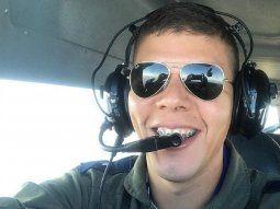 El teniente Willian Martín Orué Román viajaba como copiloto en la avioneta Cessna 402, que se precipitó a tierra el pasado martes, en la Fuerza Aérea Paraguaya (FAP).