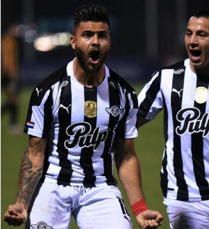 A medias. Tito Villalba marcó ante Guaraní