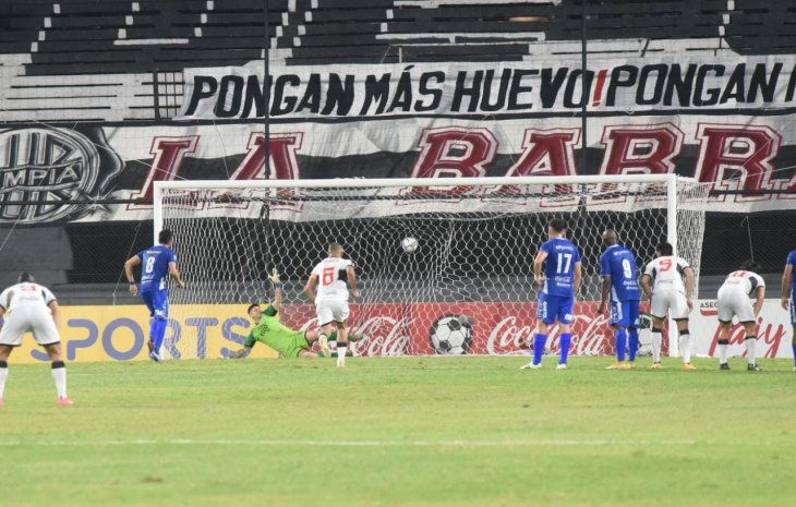 Valdez hizo el último gol del partido en Para Uno.