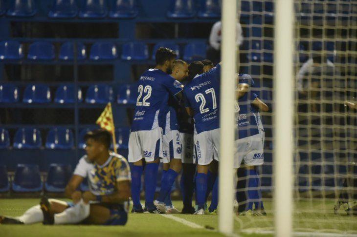 Sol de América venció de local al Sportivo Luqueño.
