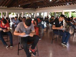 Los estudiantes realizan una denuncia por supuesto fraude en el Instituto Superior de Educacion Policial (Isepol). Afirman que de los 6.000 aspirantes, un total de 3.000 se aplazaron en el examen psicotécnico.