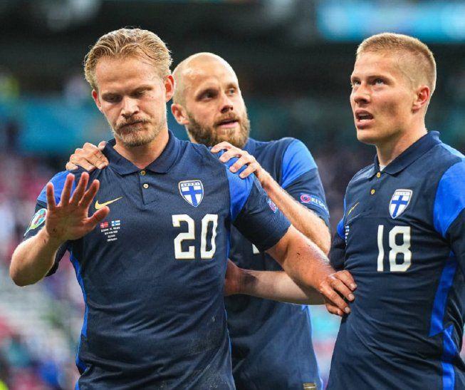 Finlandia congela a una Dinamarca golpeada por el drama de Eriksen.