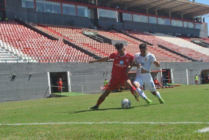 El 3 de Febrero y Deportivo Capiatá suscribieron un empate (2-2)
