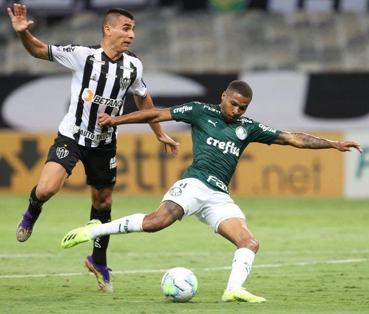 Junior Alonso de Atlético Mineiro estará de titular ante Palmeiras.