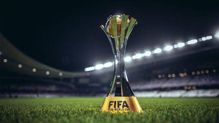El trofeo del Mundial de Clubes que este año no tendrá lugar en Japón.
