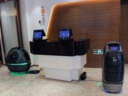 Así es FlyZoo, el hotel del futuro que en China ya ha comenzado a funcionar, promovido por el gigante tecnológico Alibaba. Desde la recepción queda claro que aquello no es un hotel normal.