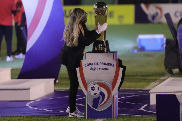 Trofeo del Torneo Clausura
