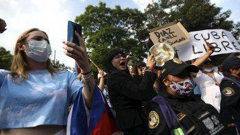 El Gobierno de Estados Unidos dijo estar muy preocupado por las llamadas al combate que ha hecho el presidente Díaz-Canel, para detener las protestas contra el régimen en la isla.