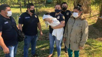 El bebé fue hallado en poder de la mujer cuando ya tenía tres meses de vida, en una vivienda en la ciudad de Coronel Oviedo, en el Departamento de Caaguazú, y posteriormente fue devuelto a sus padres.