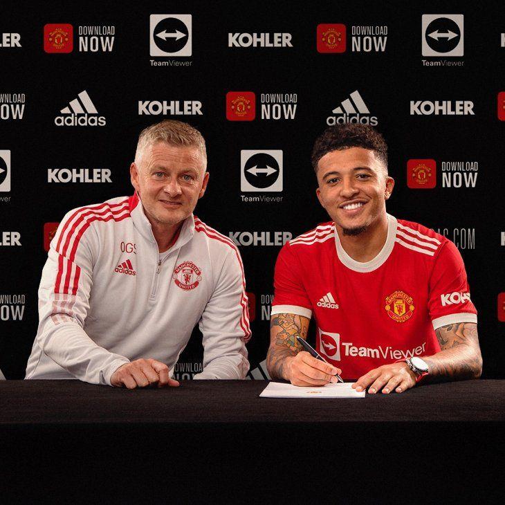 El Manchester United confirmó este viernes el fichaje del jugador inglés Jadon Sancho.
