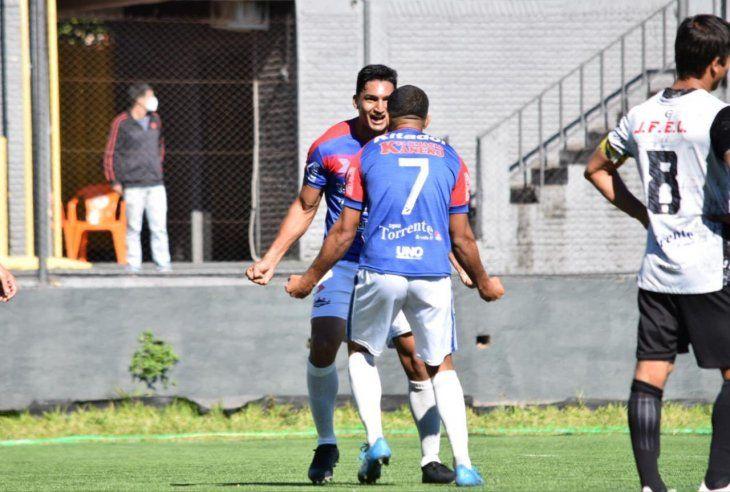 Independiente de Campo Grande venció a Tacuary y es uno de los líderes de la Intermedia.