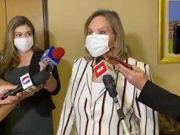 La senadora Lilian Samaniego, de la Asociación Nacional Republicana (ANR), dice que Mirta Gusinky cometió un error al no admitir que se vacunó contra el Covid-19.