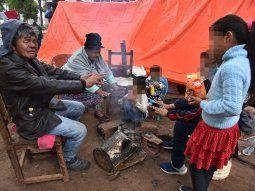 Un grupo de jóvenes organiza para este domingo una colecta solidaria para la comunidad indígena Avá Guaraní que se encuentra en la Plaza de Armas luego del desalojo que sufrieron en Itakyry.